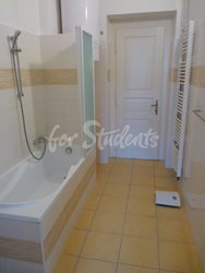 2 rooms available in female four bedroom apartment in the center of town - bathroom-A