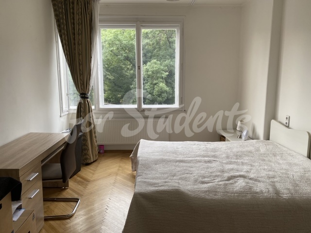 Three bedrooms available in three bedroom apartment, Prague (file image6.jpg)