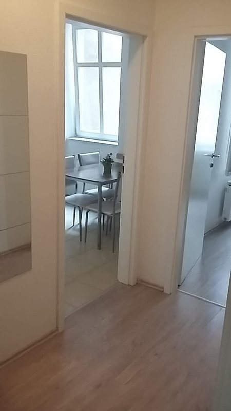 Place in a shared triple room in the city centre  (file chodba.jpg)