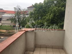 Spacious two bedroom apartment with a terrace, Prague - balcony-2