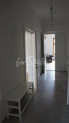 One bedroom available in 3bedroom apartment in a student´s house in the center of town, Hradec Králové - DSC02512
