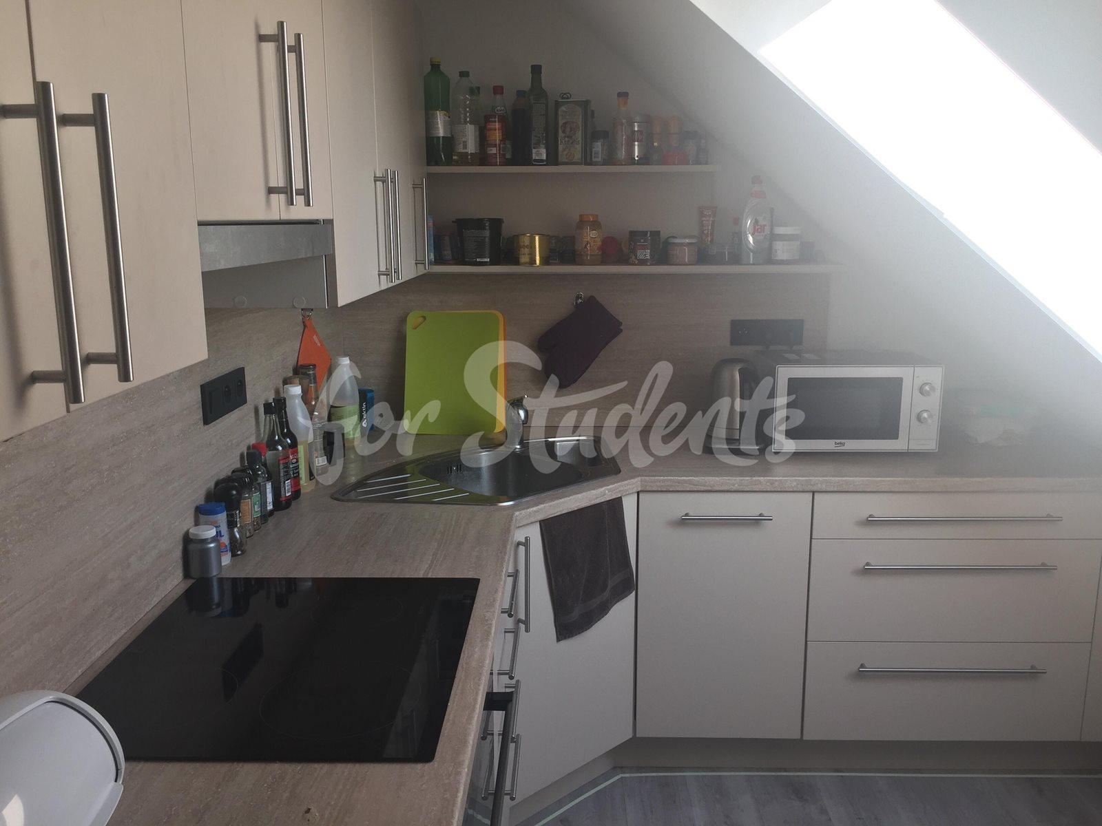 One bedroom available in male 3bedroom apartment