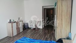 One bedroom available in female  two bedroom apartment near Faculty of Medicine - 03