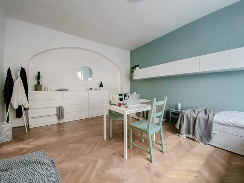 Very spacious triple room in boutique style house in Brno (file Pokoj-B1.jpg)
