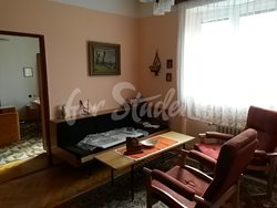 Cheap one bedroom apartment near to Faculty of Medicine - Obyvaci-pokoj-3