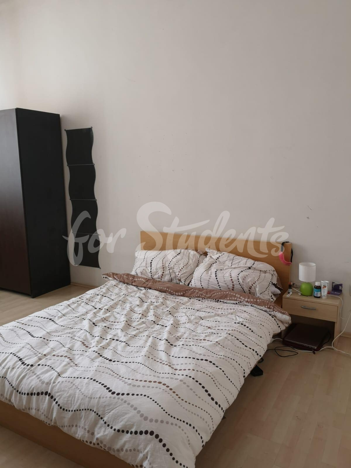 1 bedroom available in 3bedroom apartment in popular student´s residency