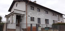 One bed available in a female shared room, Hradec Králové - 51842330_243725486517556_1246619119566979072_n