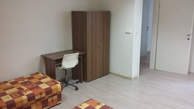 Place in a shared triple room in the city centre  (file pokoj4.jpg)