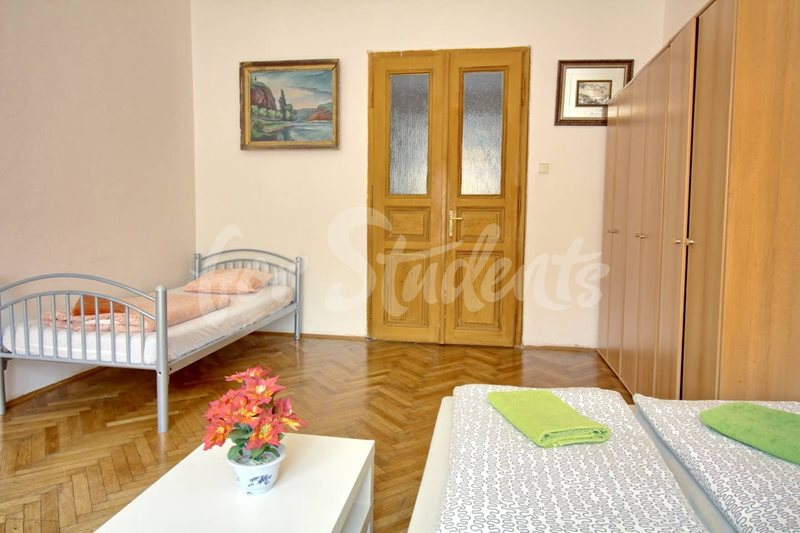 Three bedroom apartment in Prague 8 (file e46077c7-68eb-425e-a69e-be907903af4a.jpg)