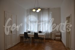 Three bedroom apartment in Prague 2 - Living-room