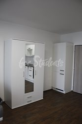 One bedroom apartment with a big balcony - obyvak