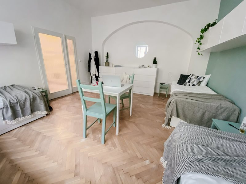 Very spacious triple room in boutique style house in Brno (file Pokoj-B2.jpg)