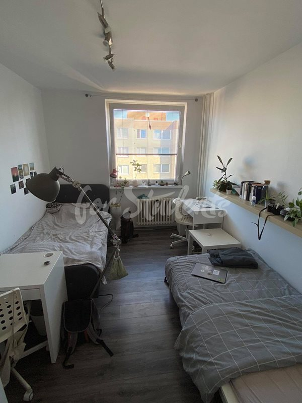 Two rooms available in a two bedroom apartment, Prague  (file 118213612_222579605862983_7723502227058957495_n.jpg)