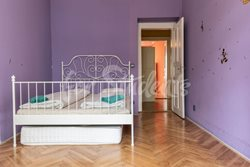 Rooms available in a three bedroom apartment in Vinohrady - b8e2a200-a2b2-42a9-8511-522ed2d77574
