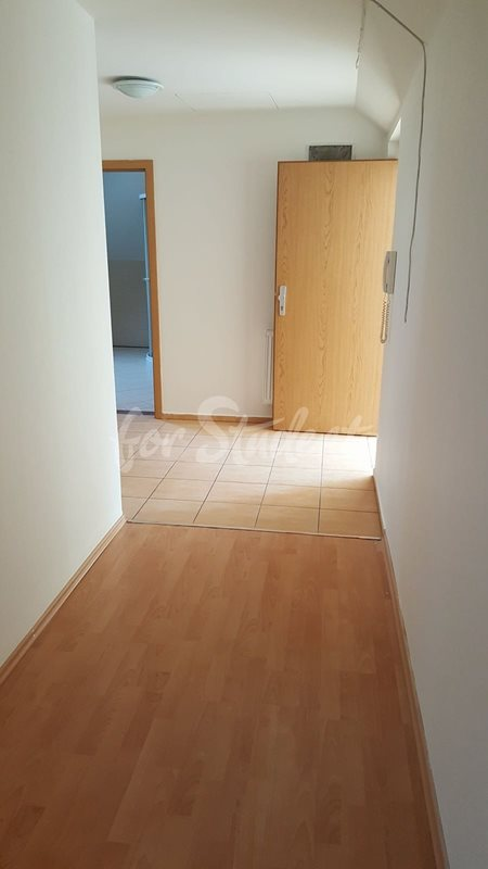 One room available in male 3bedroom apartment next to Atrium in new student´s residence, Hradec Králové (file 32207330_10156310877833550_7554243206125191168_n.jpg)