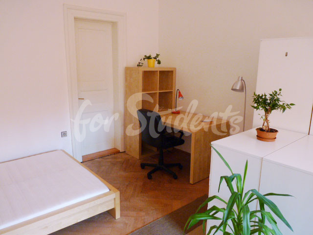 2 rooms available in female four bedroom apartment in the center of town (file 5th-room-C.jpg)