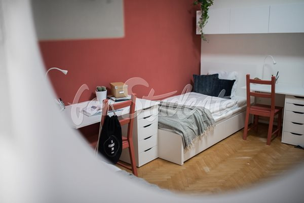 Place in a shared modern bedroom for Girl  - RB10/20