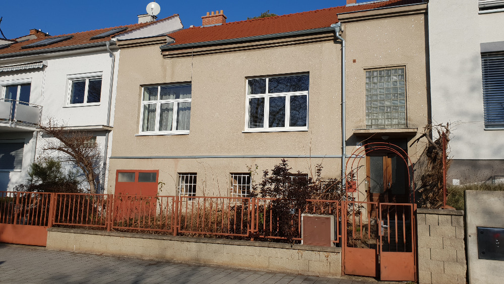 Renovated house - 3 bedrooms
