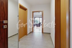 Luxurious two bedroom apartment with terrace - chodba