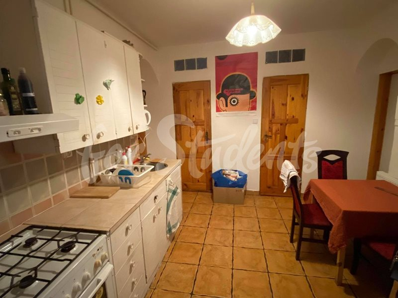 Three rooms available in three bedroom apartment, Prague (file 119038870_325275625377527_928351986772974276_n.jpg)