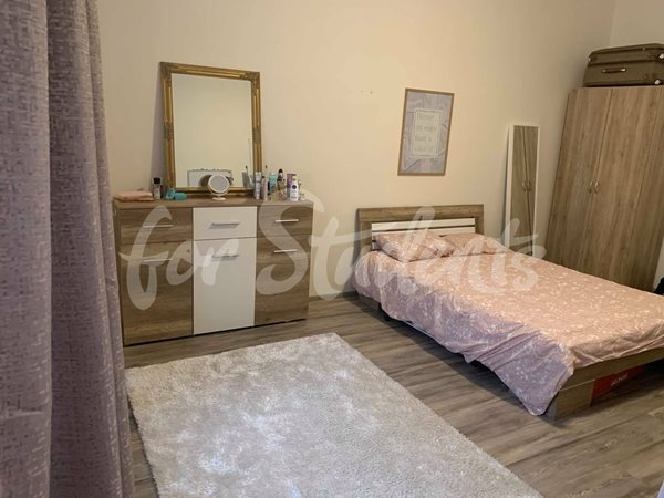 One bedroom available in a female three bedroom apartment in New Town - R29