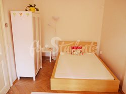 2 rooms available in female four bedroom apartment in the center of town - 2nd-room-B