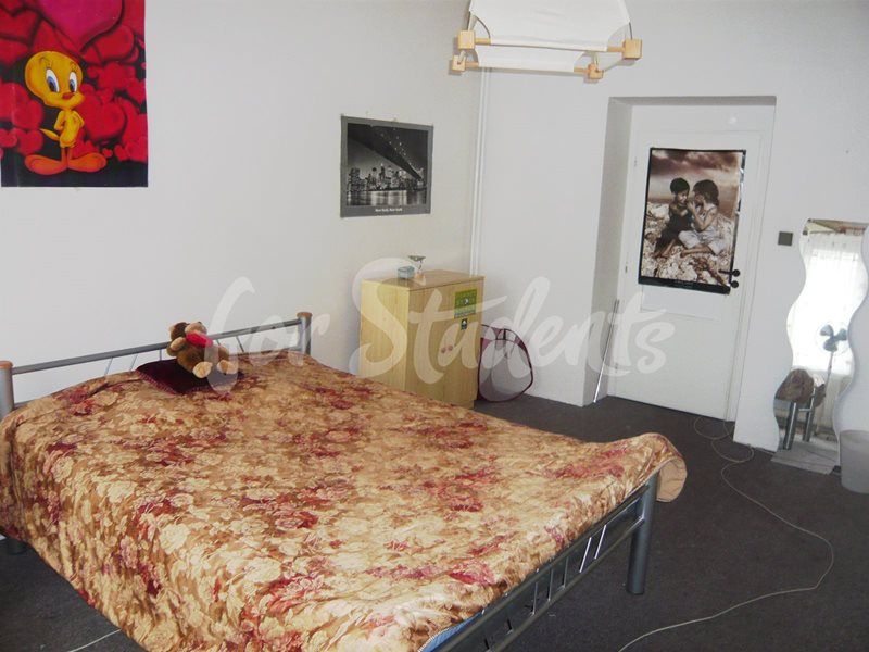 Two bedrooms available in male 3bedroom apartment in Klumparova street (file 06.jpg)