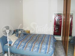 Two bedrooms available in male 3bedroom apartment in Klumparova street - 09